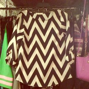 everly Tops - Everly Chevron Blouse Black & White