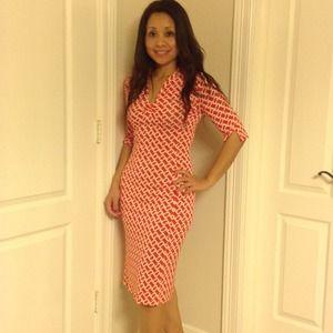 Diane von Furstenberg Dresses - REDUCED DVF silk dress in red & cream links print