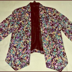 Fitted floral blazer!