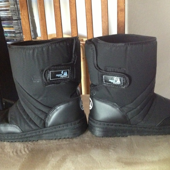 Rugged Exposure Shoes   🏂❄👢⛄Black Snow Boots Size 7🏂⛄👢