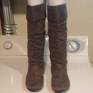 Boots - grey slouched boots