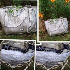 J-LO Bags - Big handbag very roomy