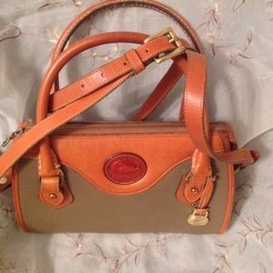 Vintage Dooney Bourke Shoulderbag
