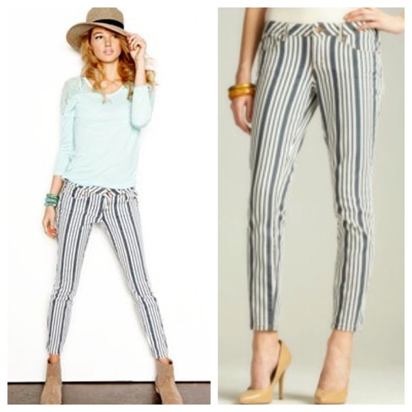 Dollhouse Jeans - Dollhouse Ankle-Skimming Striped Skinny Jeans