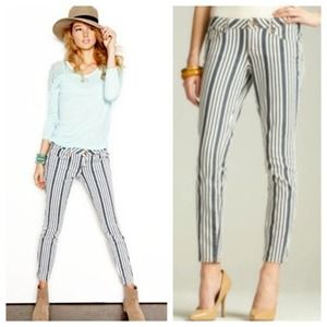 Dollhouse Jeans - Dollhouse Ankle-Skimming Striped Skinny Jeans 2