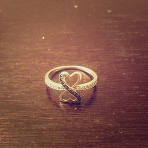 Sterling silver infinite love ring w/ diamonds!💎