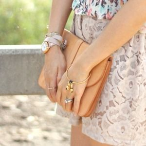 LEATHER BEIGE CLUTCH