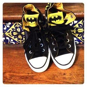 batman converse black and yellow