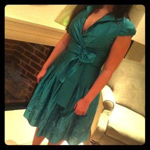 Adrianna Pappell dress in Green