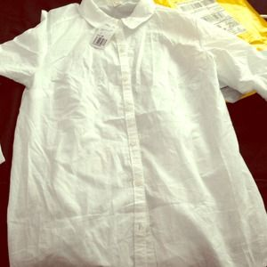 NWT FOREVER 21 WHITE BUTTON UP !