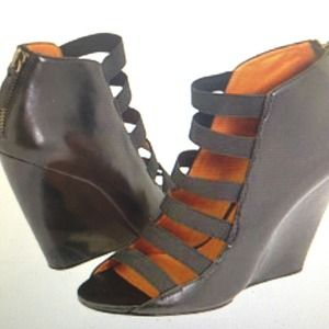 Elizabeth and James Shoes - Elizabeth and james slice wedge mod heels size 8