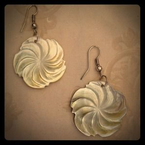 handmade Jewelry - Posh sale! Mother of pearl flower earrings!