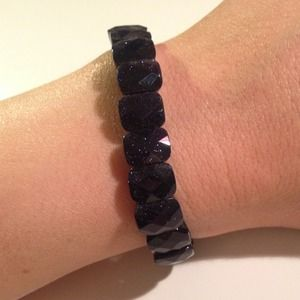Jewelry - Dark purple sparkly stone stretch bracelet
