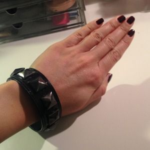 Jewelry - Pyramid stud bangle bracelet
