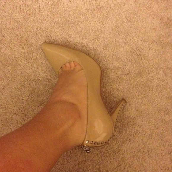 Michael Kors Shoes - Michael Kors beige heels 💗 3