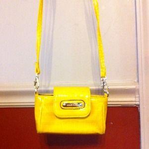 Great little yellow crossbody Anne Kline handbag