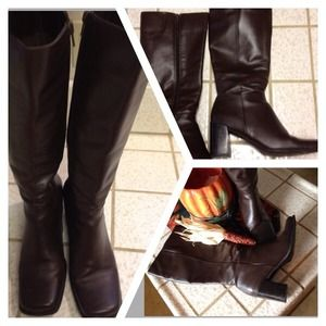 Boots - REDUCED🔻🔻 Sz 10M brown leather boots 👢
