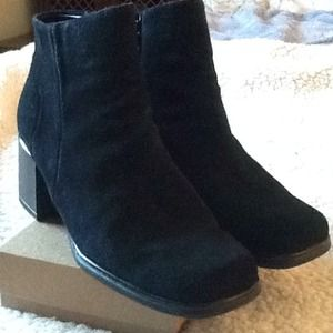 Black real suede leather white mountain booties