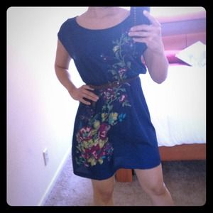 Dresses & Skirts - Cute light dress (belt not included)