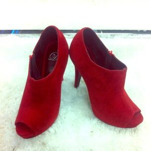 Boots - *NEW* Peep Toe Ankle Bootie in Wine color