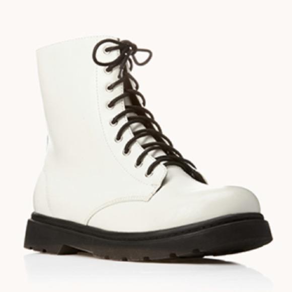 Soldforever 2 White Boots | Poshmark