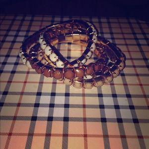 Multi ringed bangle