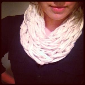 Accessories - Chunky Knit 🔄 Scarf in Cream