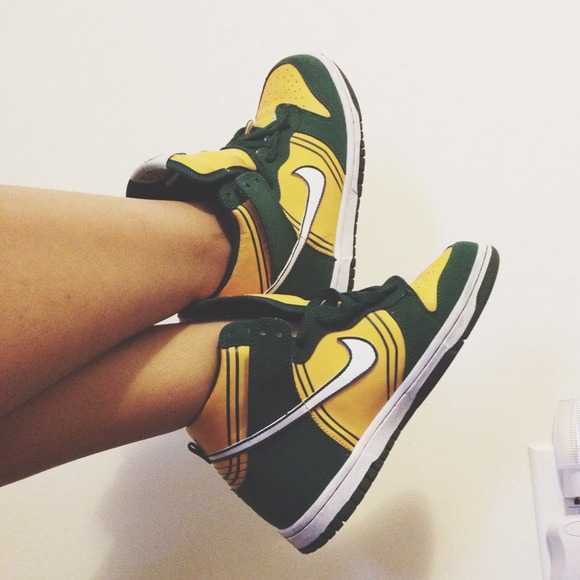 cheap for discount 7f996 8df5c Nike Dunks (Crayola, Back-To-School). M525e979bb53213187700f1f4