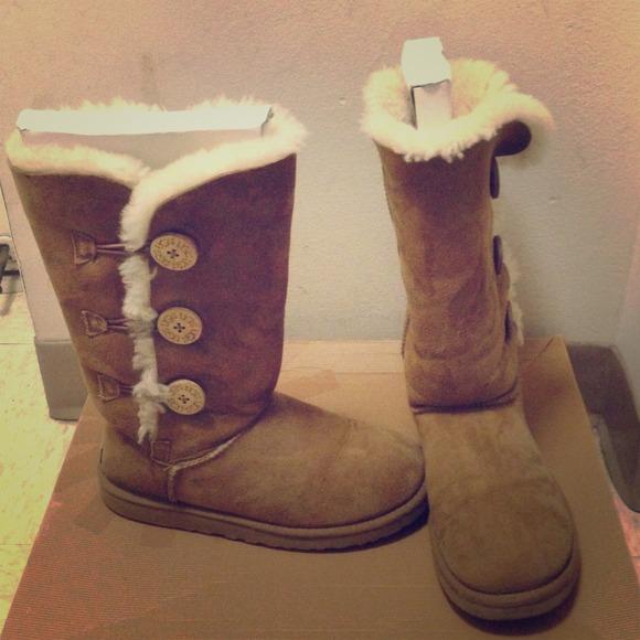 3fac526f22c UGG Shoes   Chestnut Bailey Button Triplet S   Poshmark