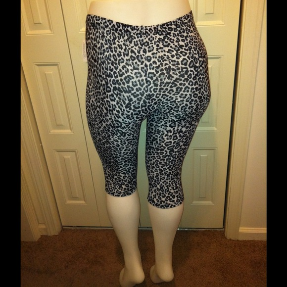 Plus Size 2X Leggings tights Animal Print NWT 2X from Cherrelle's ...