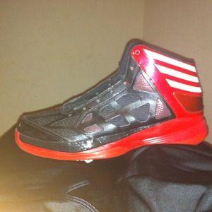 Adizeros. Adidas. Basketball shoe. drose lebron