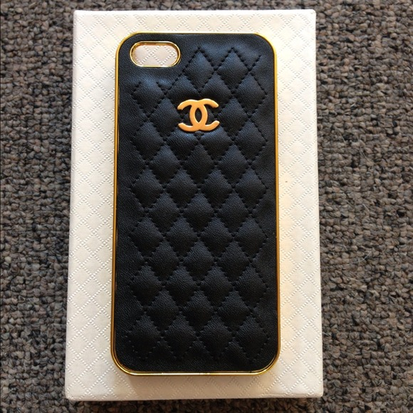 brand new dd499 6a9cf Black & Gold Chanel Quilted iPhone 5 Case