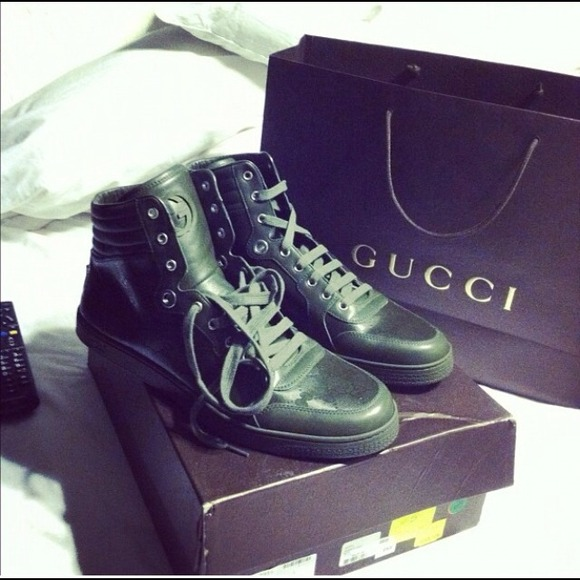 4ba2e235617 Authentic Gucci Sneakers (olive green)