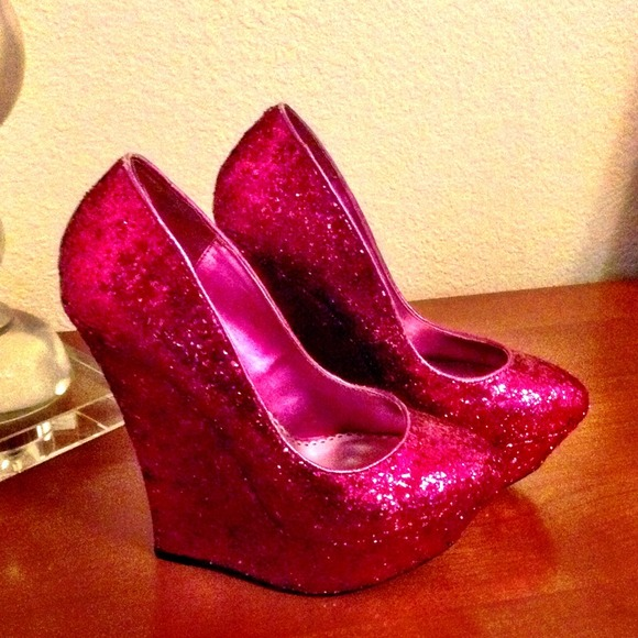 3681f1f928f3 bebe Shoes - Sparkly Pink BeBe Wedges