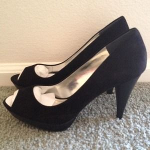 Black Suede Pumps *NEW*