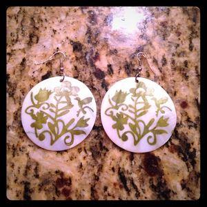 Jewelry - Shell Earrings w/Green Design