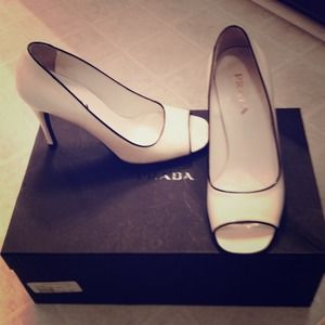 Prada Calzature Donna white and black peep toe