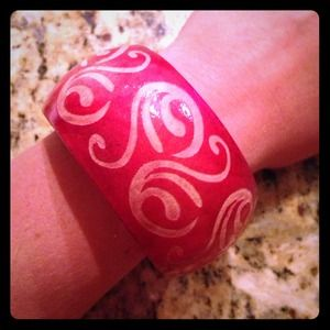 Jewelry - Red Wooden Bangle