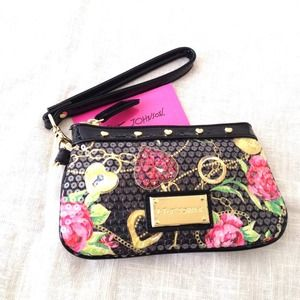🌹Betsey Johnson Secret Garden Wristlet Black/Gold