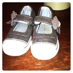 Morgan & Milo Other - Sz 8 Morgan & Milo toddler girl shoes EUC