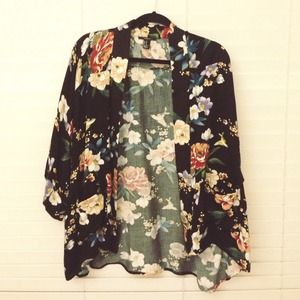 Jackets & Blazers - Floral Kimono