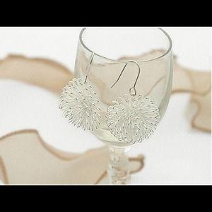 Jewelry - Beauty Mix Match Dandelion Shape Silver Ball ear