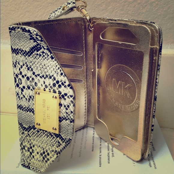 6e2ae18a6774 Michael Kors iPhone 4/4S iPhone wallet case. M_52614871d16c8b3e8e0144dc