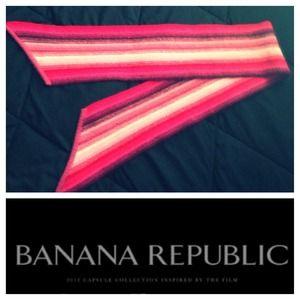 NWOT Banana Republic Scarf