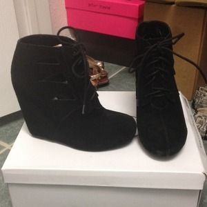 REDUCED!! Steve Madden Raiderr Bootie ❤️