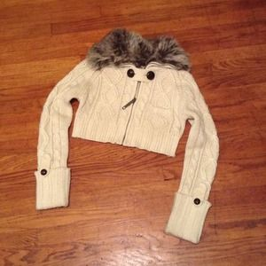 Fur collar sweater