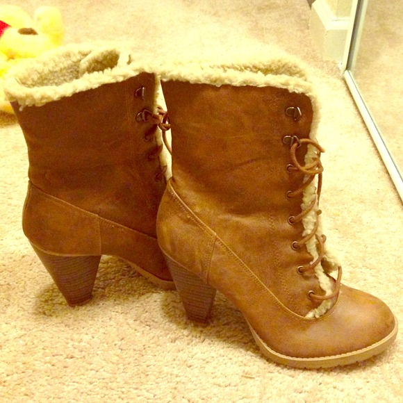 31 boots brown leather with fur lining inside from