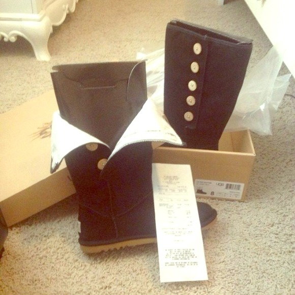 AUTHENTIC NWT UGGS black buttonup