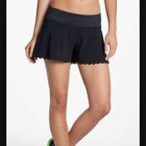 Zella ruffle Scallop shorts
