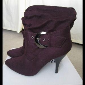 Shoes - ⚡SUPER SALE⚡NIB Delicious Purple Boots - 6
